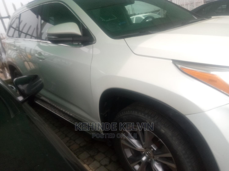 Toyota Highlander 2015 White | Cars for sale in Ojodu, Lagos State, Nigeria