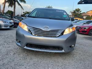 Toyota Sienna 2011 XLE 7 Passenger Silver   Cars for sale in Lagos State, Lekki