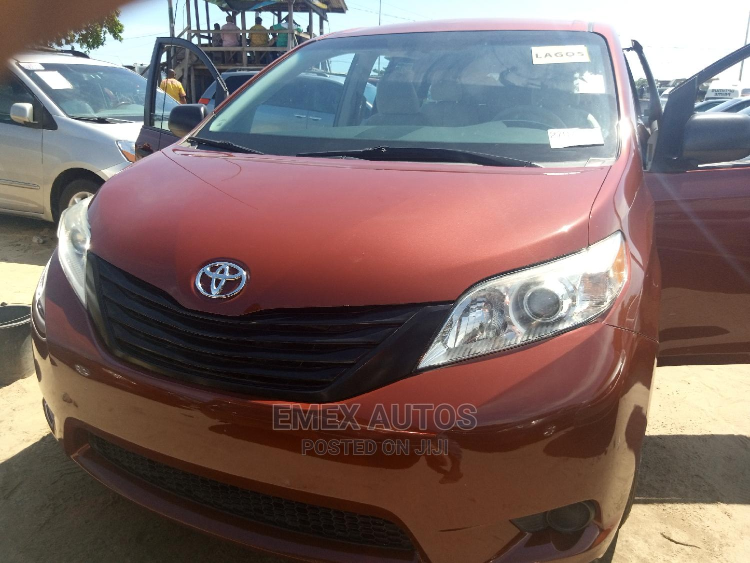 Toyota Sienna 2012 LE 7 Passenger Red