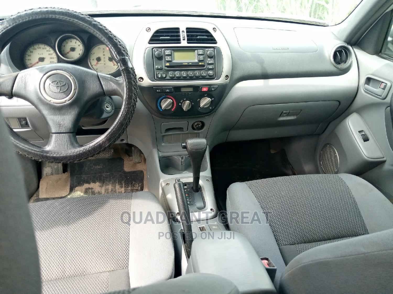 Archive: Toyota RAV4 2003 Automatic Green
