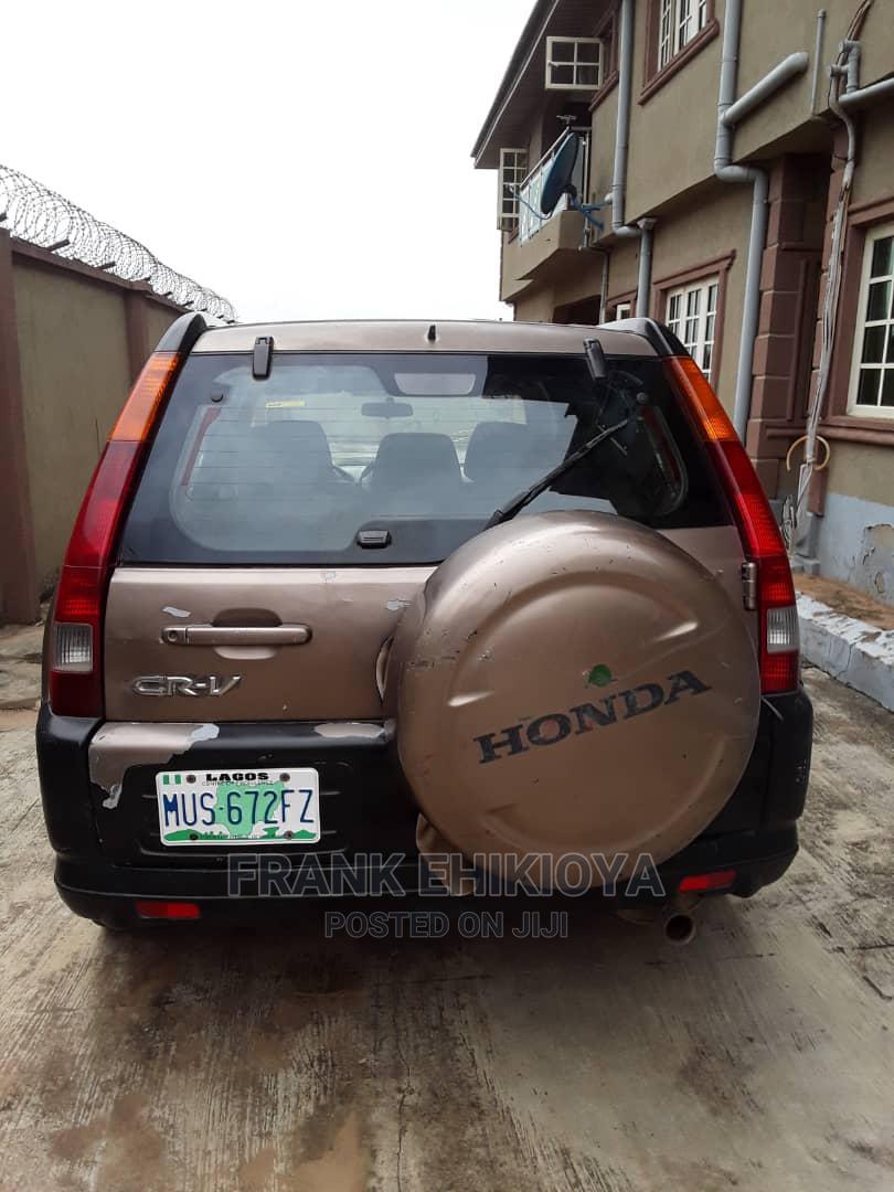 Archive: Honda CR-V 2003 Gold