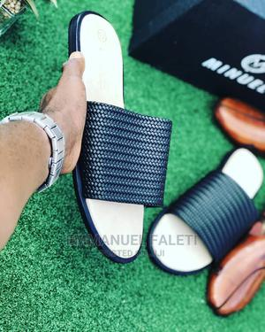 Black And Cream Welt Cover Palm Slippers   Shoes for sale in Lagos State, Mushin