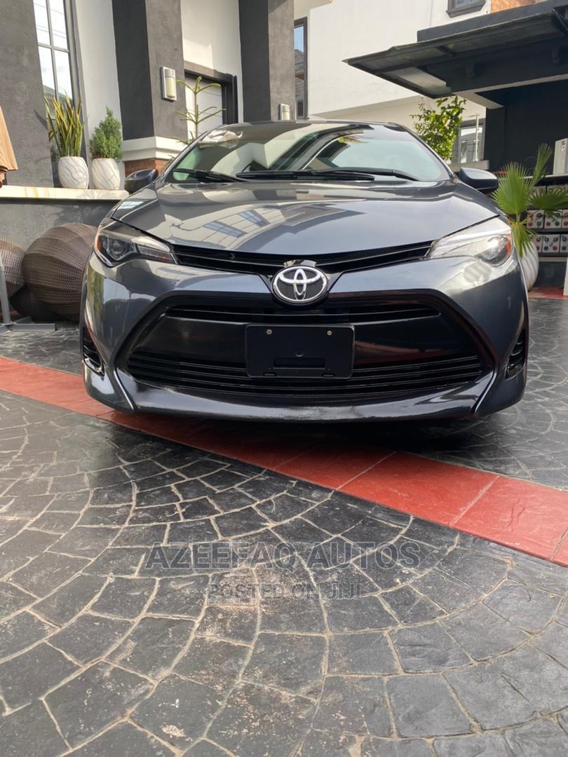 Toyota Corolla 2018 LE (1.8L 4cyl 2A) Blue