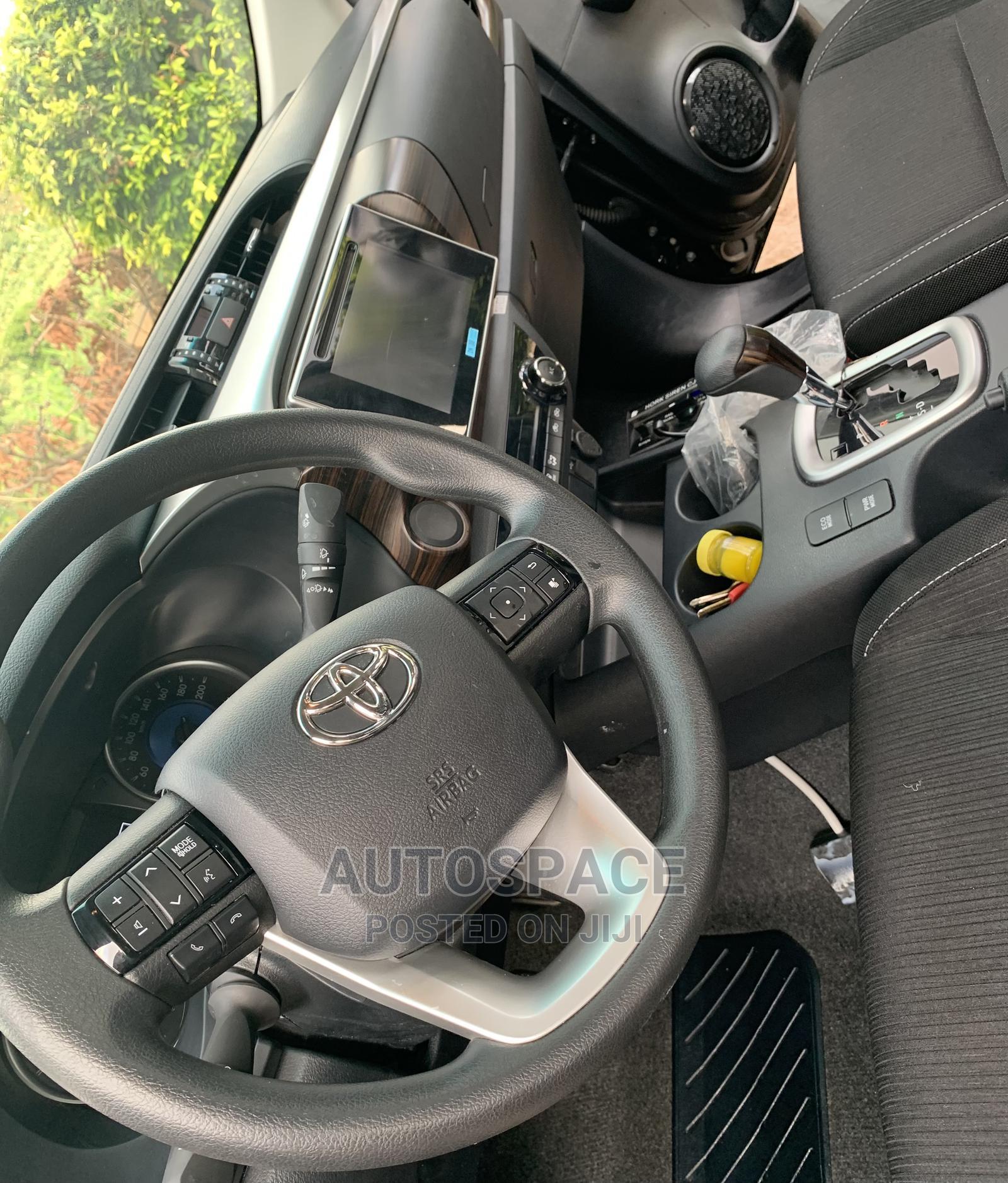 Archive: Toyota Hilux 2020 Black