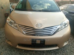 Toyota Sienna 2010 Limited 7 Passenger Gold | Cars for sale in Abuja (FCT) State, Garki 2
