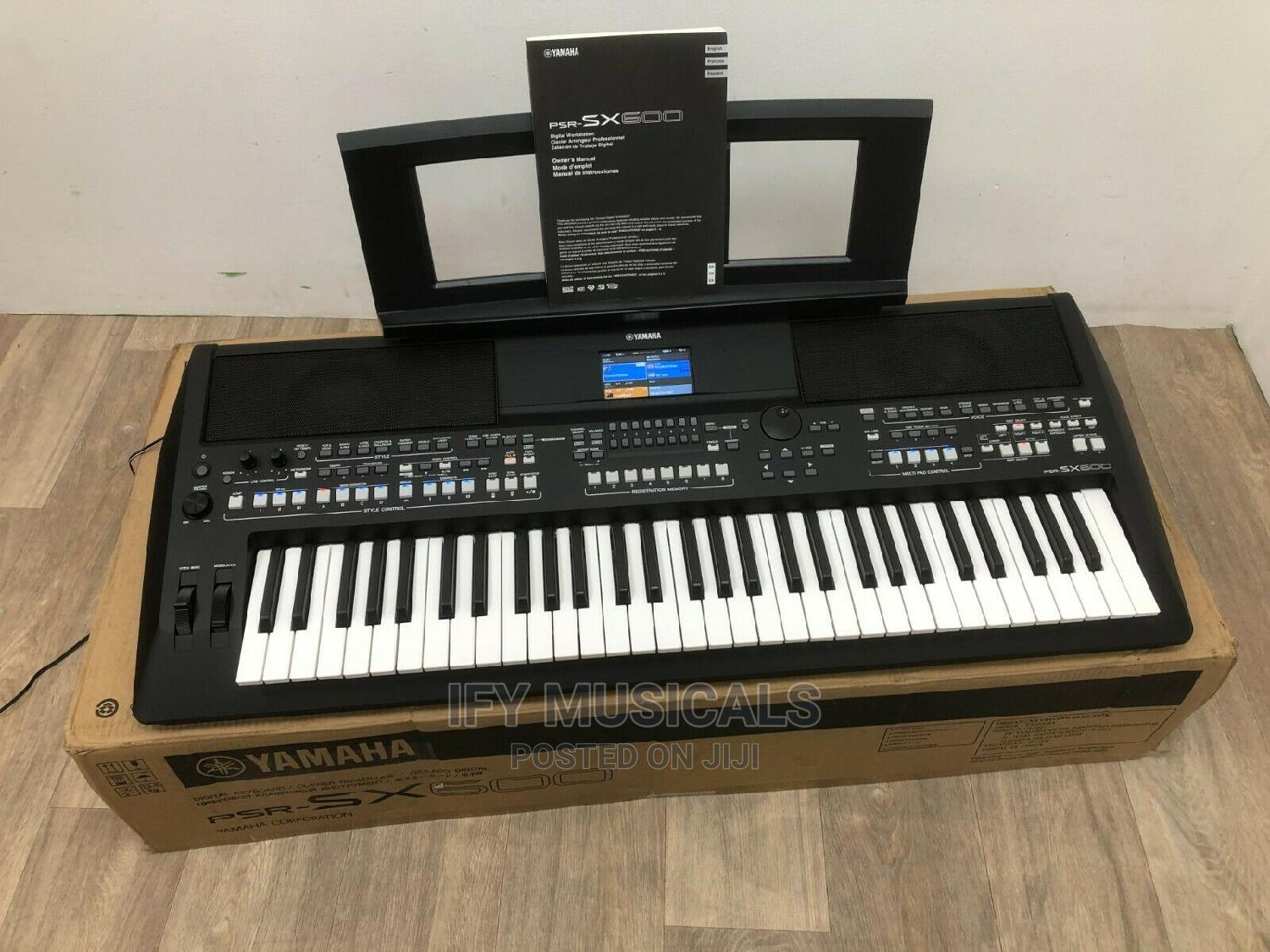 Professional Keyboard PSR-SX600   Musical Instruments & Gear for sale in Ojo, Lagos State, Nigeria