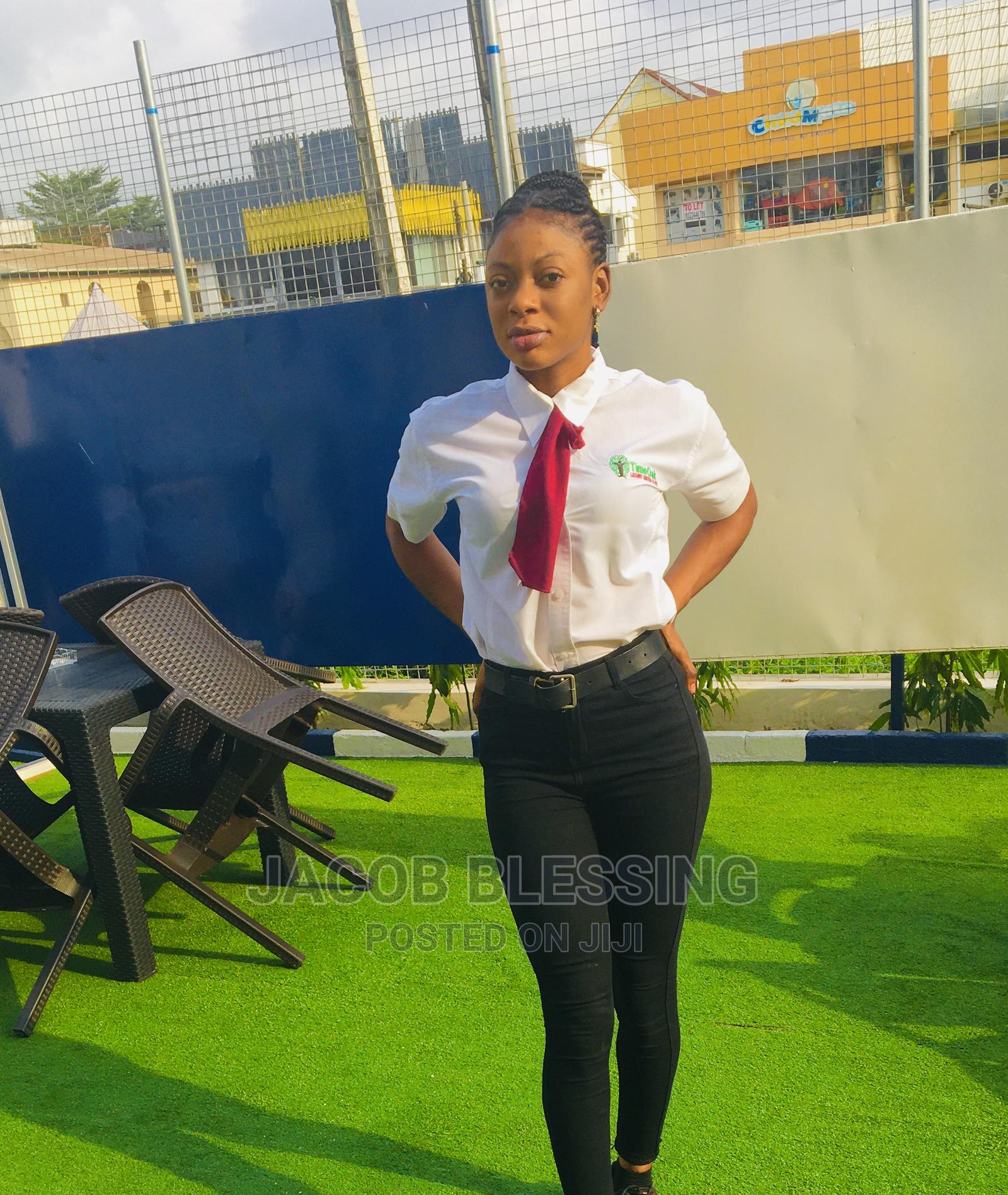 Receptionist or Waitress