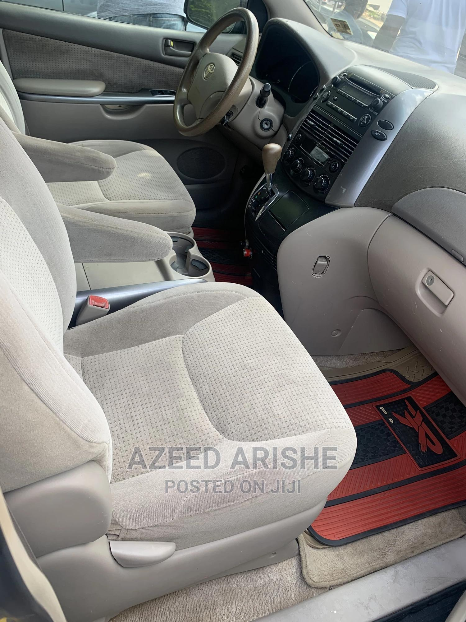 Toyota Sienna 2008 LE Gold | Cars for sale in Surulere, Lagos State, Nigeria