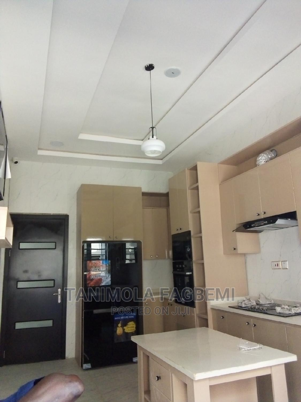 Archive: 4 Bedrooms Duplex For Sale In Buena Vista Estate, Chevron