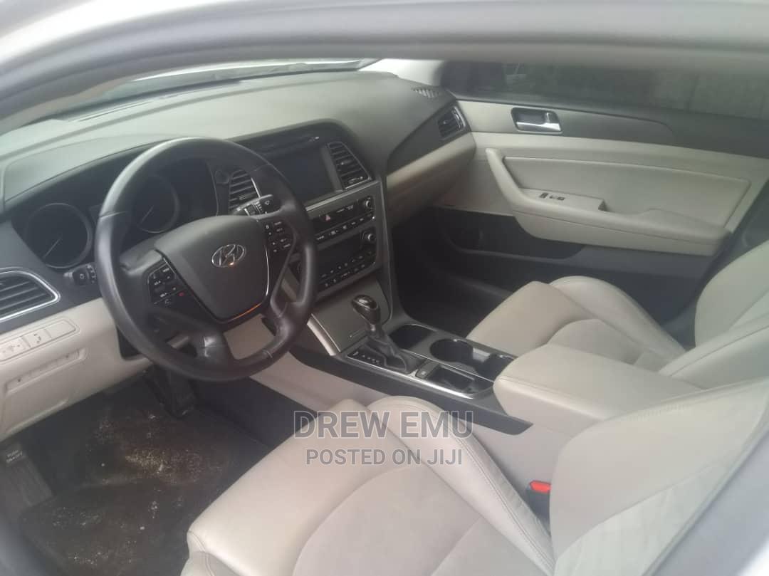 Archive: Hyundai Sonata 2015 Silver