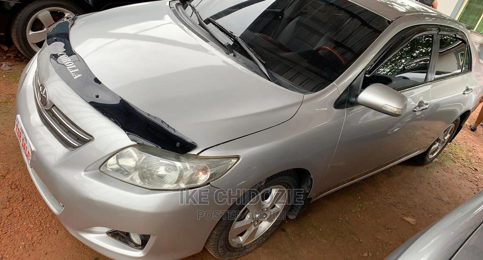 Toyota Corolla 2010 Silver