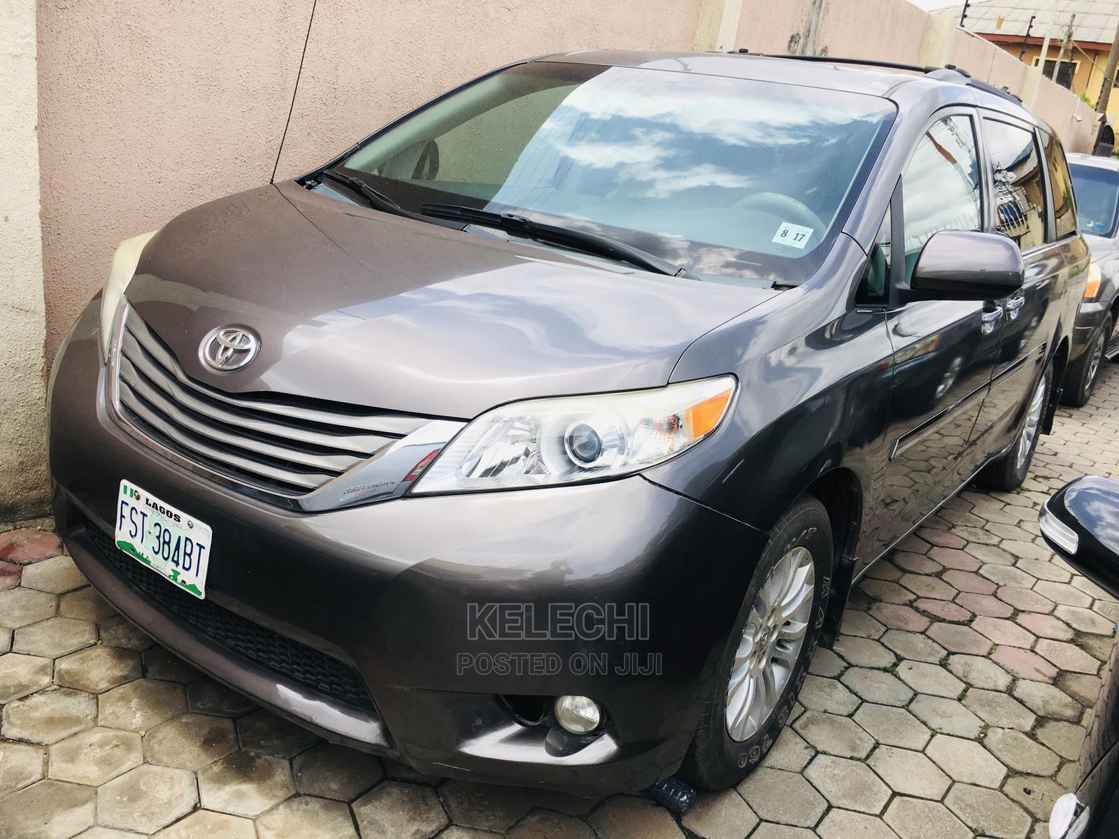 Archive: Toyota Sienna 2012 XLE 7 Passenger Mobility Gray