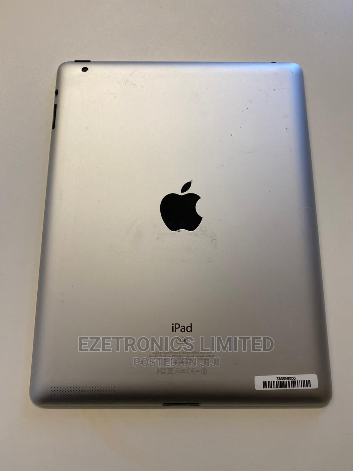 Apple iPad 2 Wi-Fi 16 GB Gray