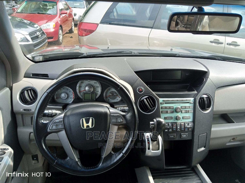 Archive: Honda Pilot 2010 Gray