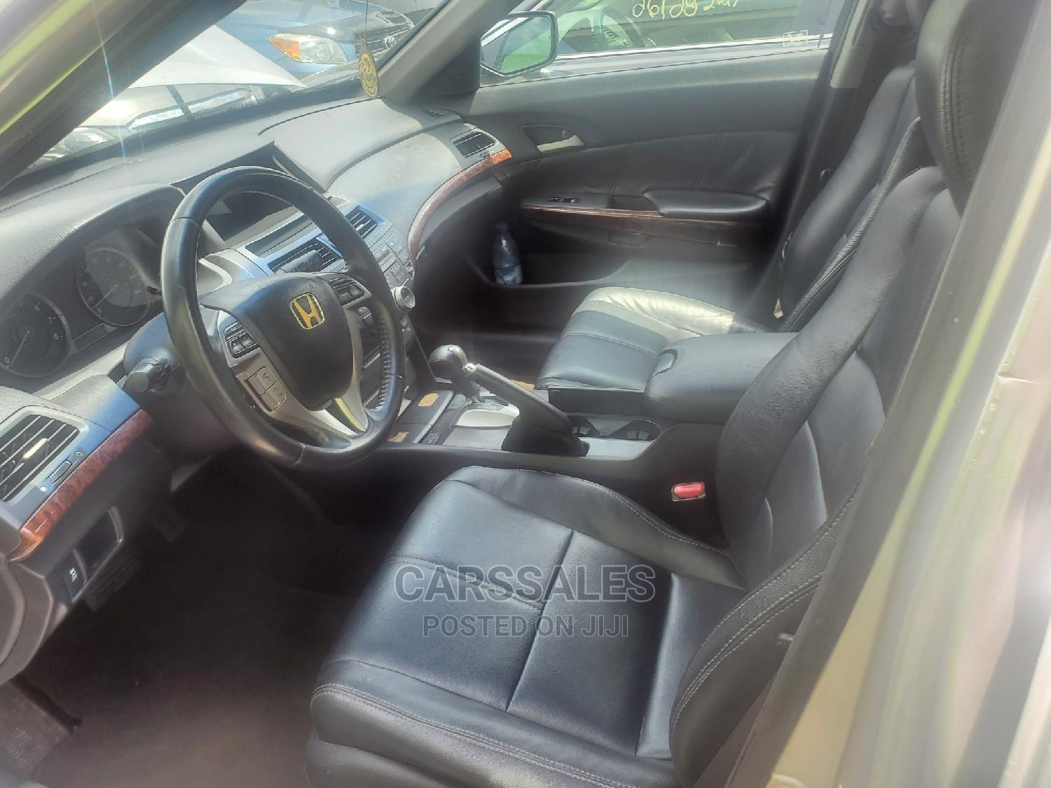 Honda Accord CrossTour 2010 Silver | Cars for sale in Agege, Lagos State, Nigeria