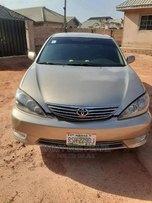 Toyota Camry 2005 Gold | Cars for sale in Edo State, Benin City