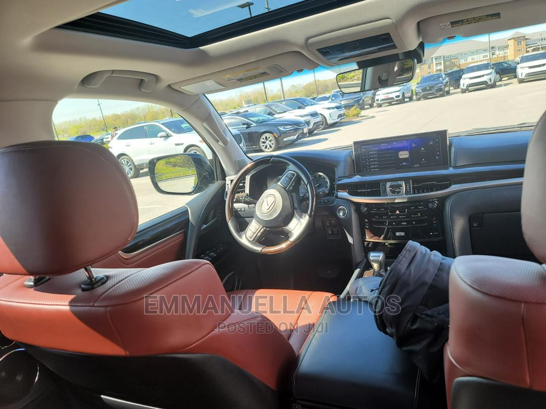Archive: Lexus LX 2019 570 Two-Row Black