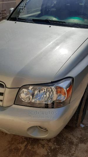 Toyota Highlander 2004 Limited V6 FWD Silver | Cars for sale in Oyo State, Ibadan