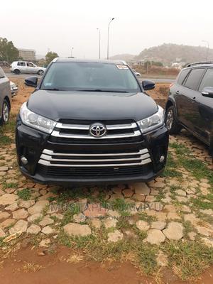 Toyota Highlander 2017 XLE 4x4 V6 (3.5L 6cyl 8A) Black   Cars for sale in Abuja (FCT) State, Gwarinpa