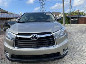 Toyota Highlander 2015 Gold | Cars for sale in Lagos State, Lekki