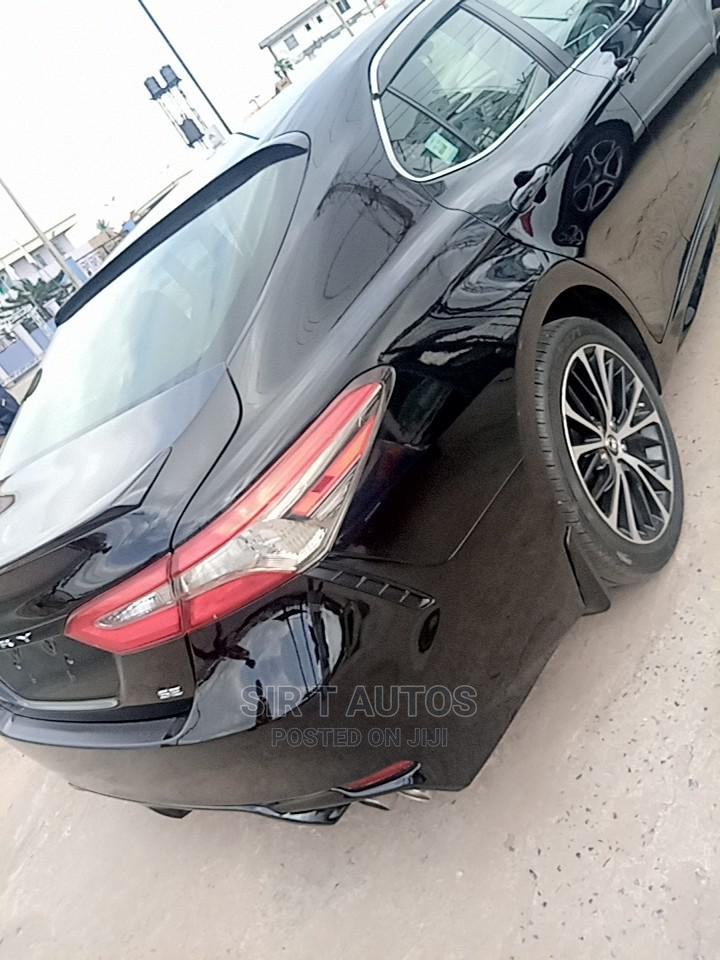 Toyota Camry 2018 SE FWD (2.5L 4cyl 8AM) Black   Cars for sale in Ibadan, Oyo State, Nigeria