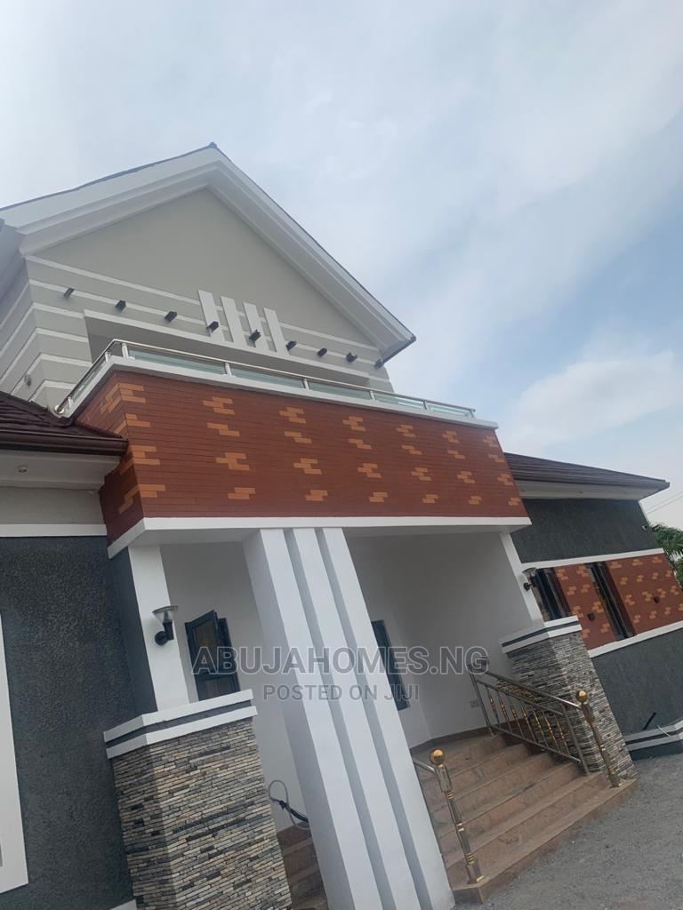 5 Bedrooms Duplex for Sale Gudu
