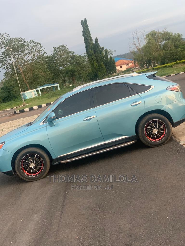 Archive: Lexus RX 2011 Blue