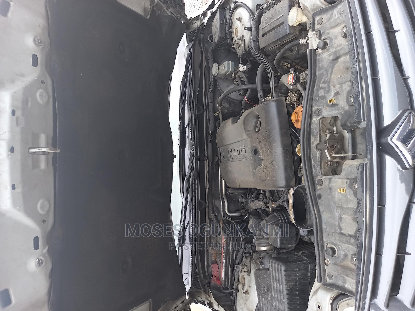 Archive: Suzuki Grand Vitara 2012 2.4 Silver