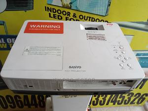 Sanyo Projector With Wide Image for Sale at a Cheaper Price   TV & DVD Equipment for sale in Lagos State, Surulere