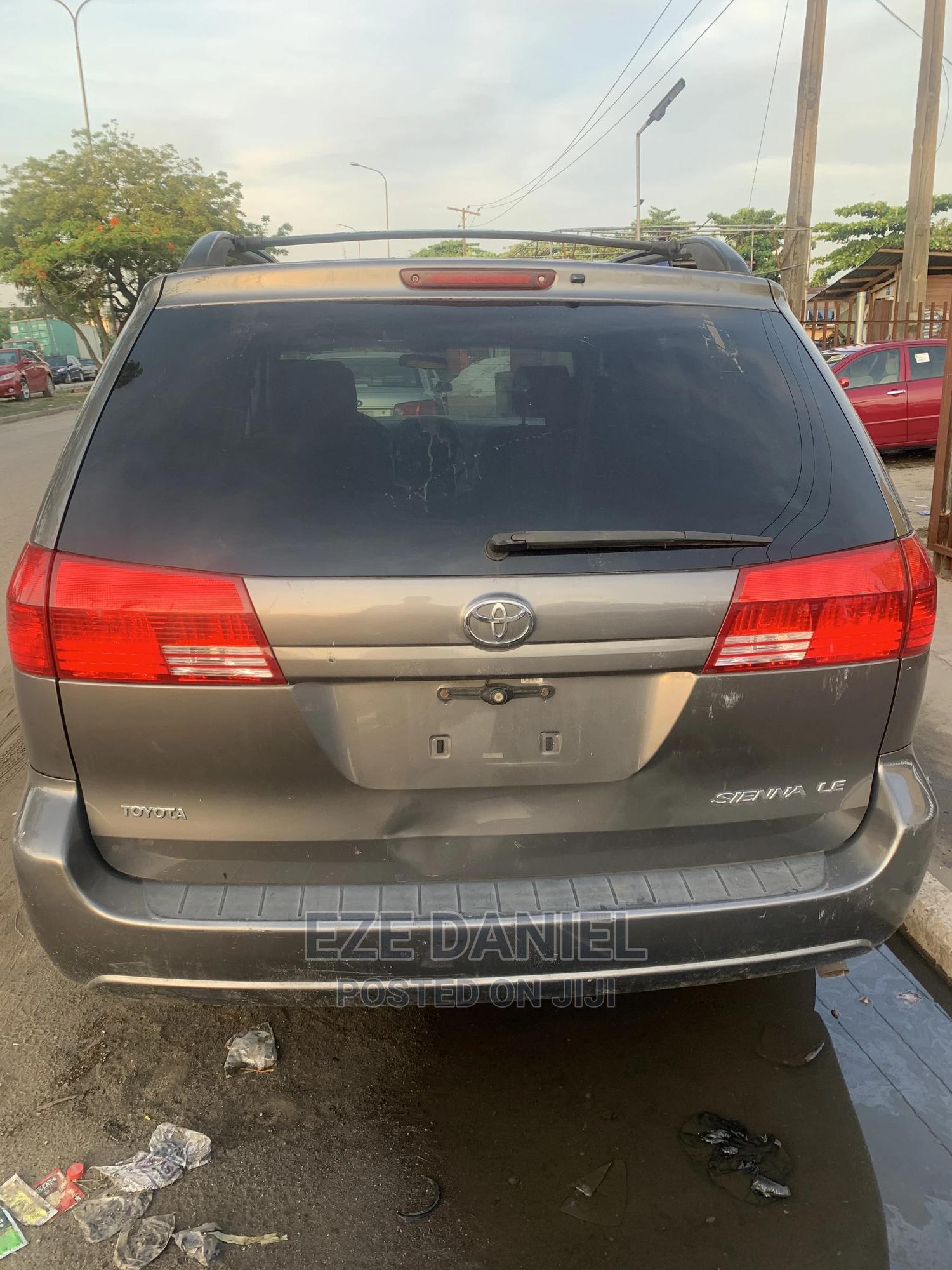 Toyota Sienna 2005 LE AWD Gray | Cars for sale in Amuwo-Odofin, Lagos State, Nigeria