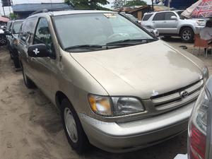 Toyota Sienna 2000 LE & 1 hatch Gold | Cars for sale in Lagos State, Amuwo-Odofin