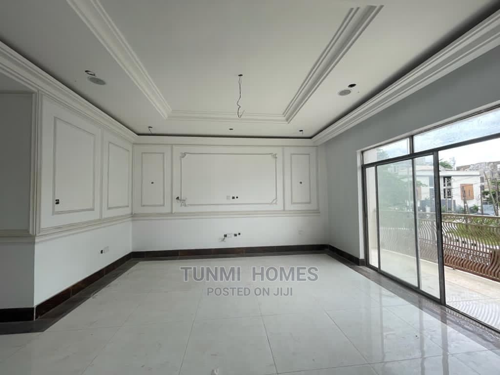 3 Bedrooms Block of Flats for Sale Victoria Island | Houses & Apartments For Sale for sale in Victoria Island, Lagos State, Nigeria