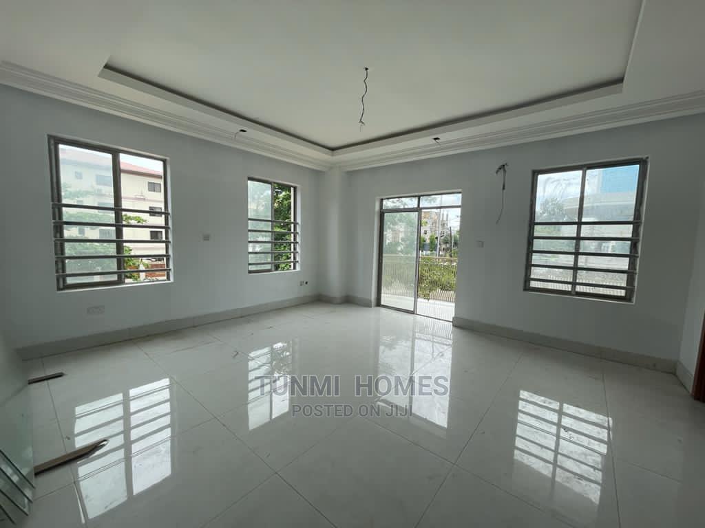 3 Bedrooms Block of Flats for Sale Victoria Island
