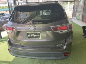 Toyota Highlander 2014 Gray | Cars for sale in Abuja (FCT) State, Central Business Dis