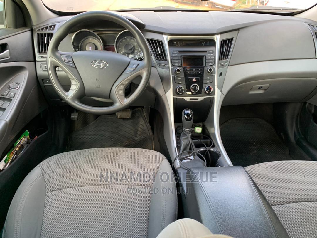 Archive: Hyundai Sonata 2013 Blue