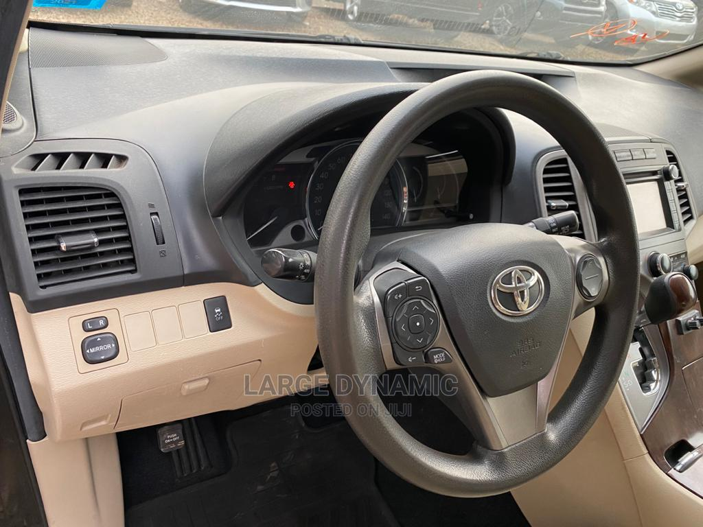 Archive: Toyota Venza 2013 LE AWD Black