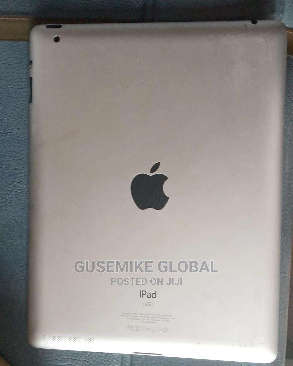 Apple iPad 2 Wi-Fi 16 GB White   Tablets for sale in Abule Egba, Lagos State, Nigeria
