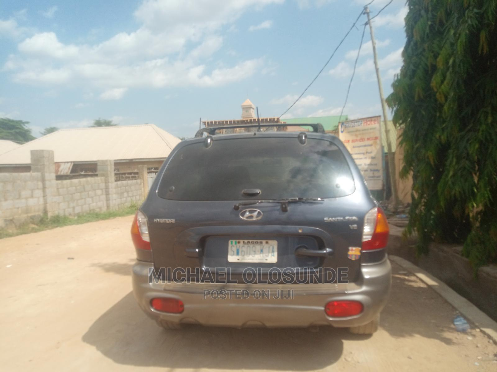 Honda Odyssey 2005 Gray | Cars for sale in Lugbe District, Abuja (FCT) State, Nigeria