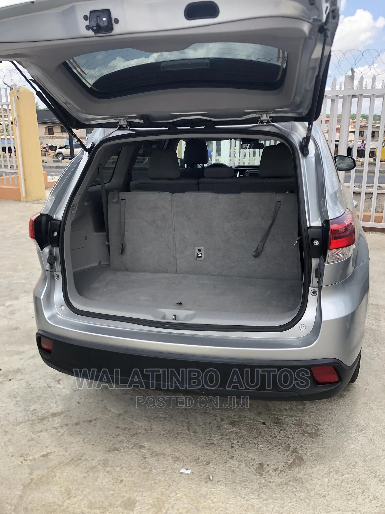 Toyota Highlander 2019 Silver   Cars for sale in Ikeja, Lagos State, Nigeria