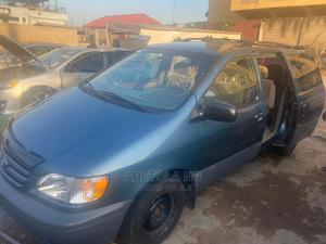 Toyota Sienna 2001 CE Green   Cars for sale in Lagos State, Ikeja