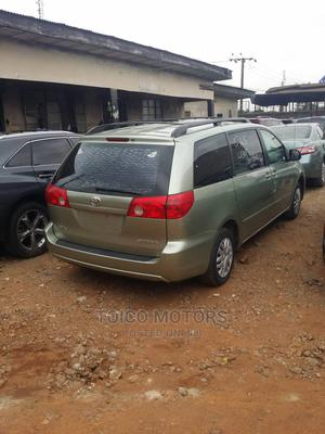 Toyota Sienna 2006 LE FWD Green | Cars for sale in Lagos State, Maryland