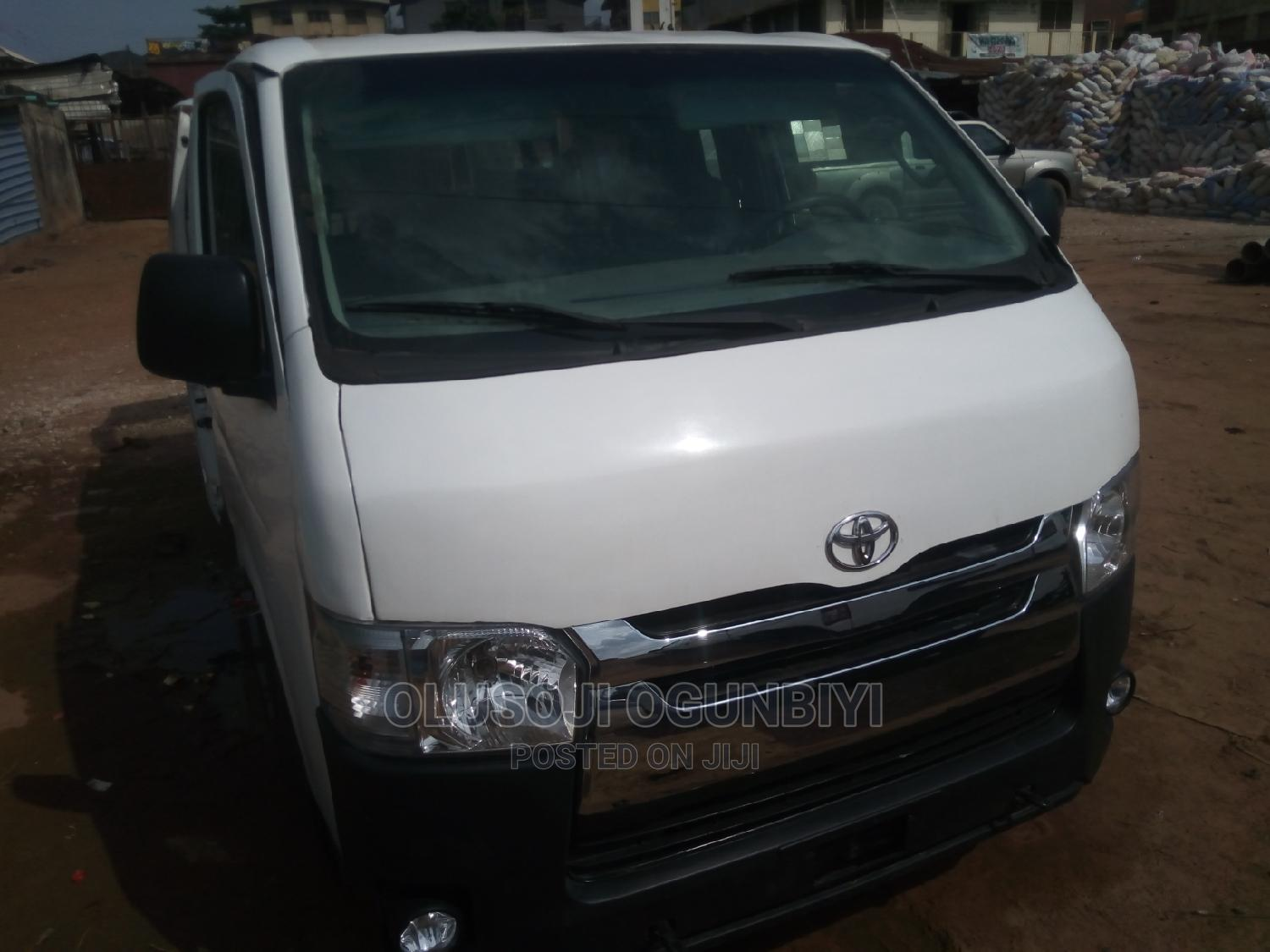 Tokunbo 2016 Toyota Hiace Hummer Bus