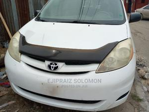 Toyota Sienna 2008 LE White   Cars for sale in Lagos State, Surulere