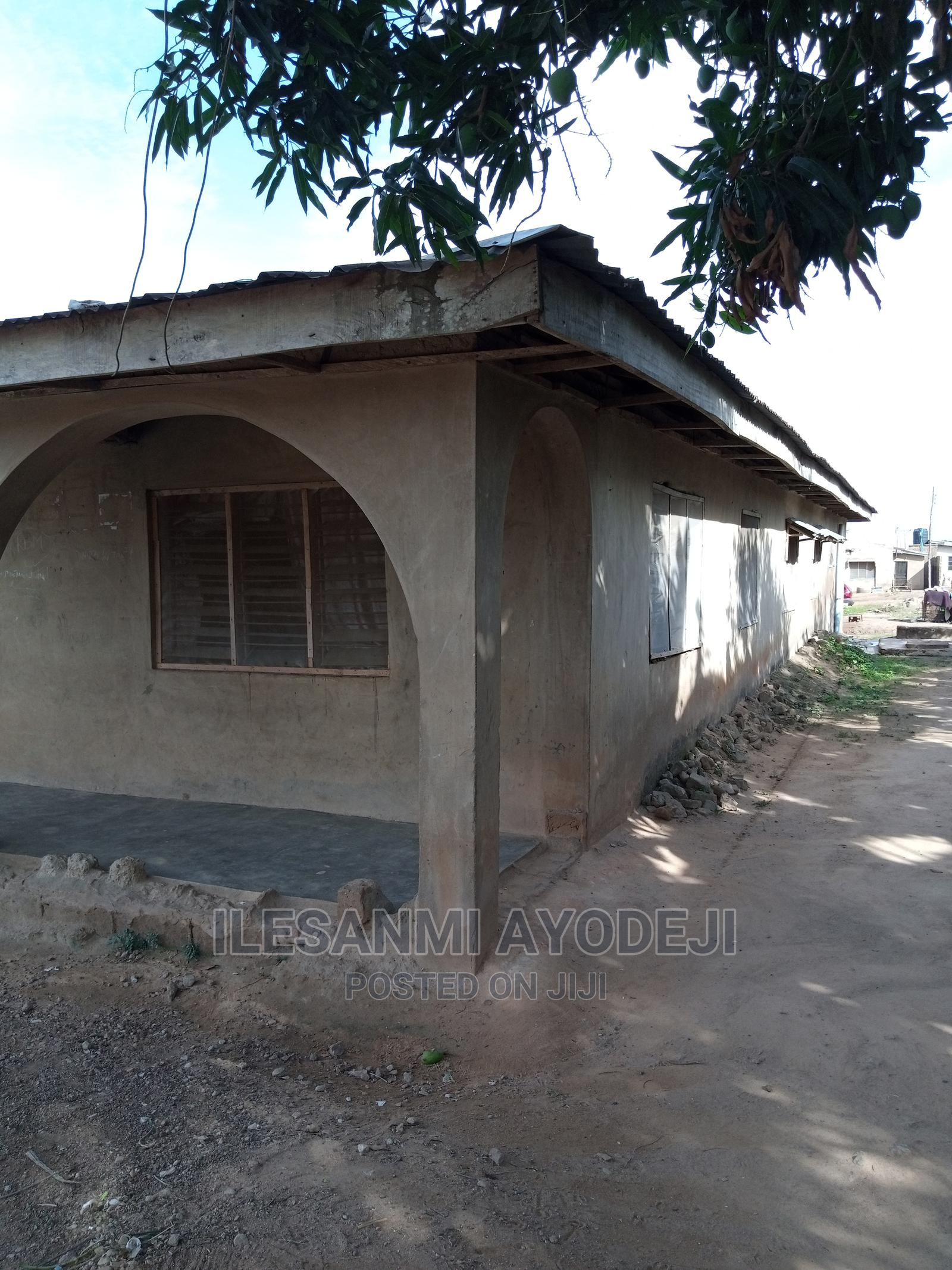 6 Rooms Bungalow In New Airport Ibadan For Sale   Houses & Apartments For Sale for sale in Alakia, Ibadan, Nigeria