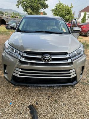 Toyota Highlander 2016 Gold   Cars for sale in Abuja (FCT) State, Gwarinpa