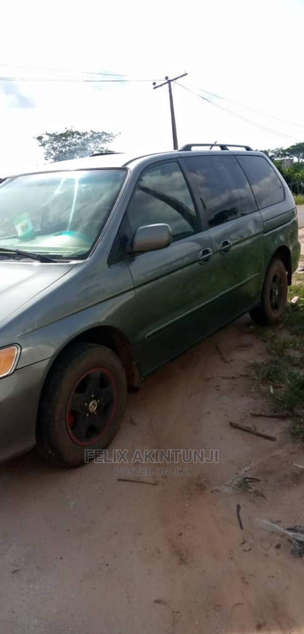 Archive: Honda Odyssey 1999 Gray