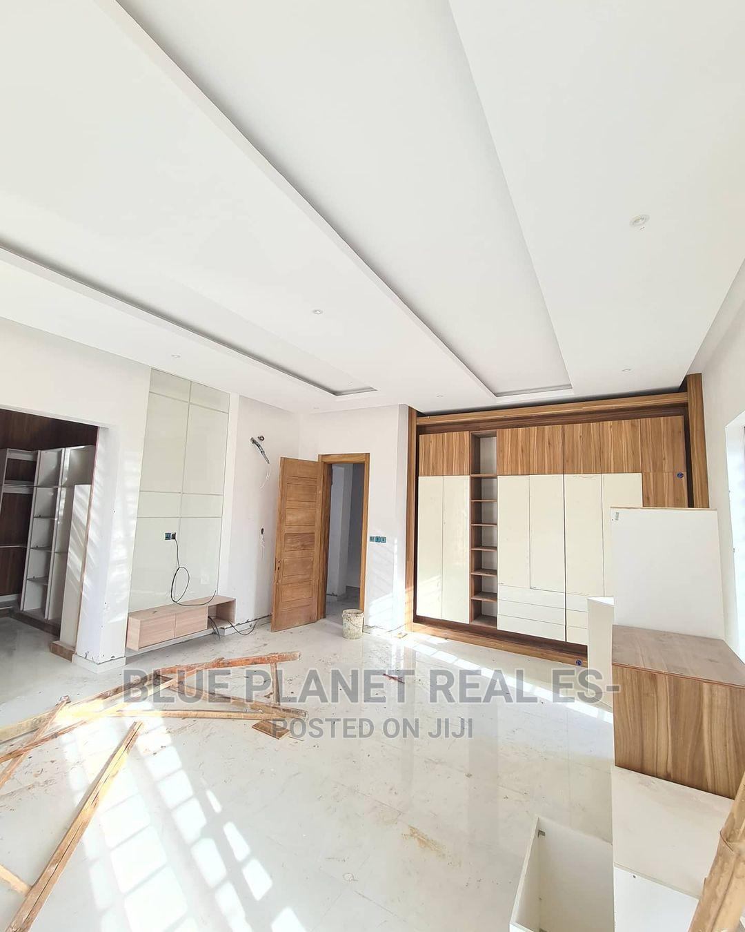 Contemporary 5 Bedroom Fully Detached   Houses & Apartments For Sale for sale in Lekki, Lagos State, Nigeria