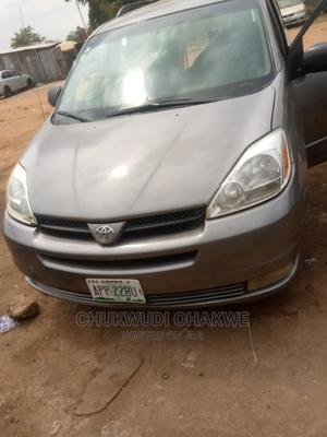 Toyota Sienna 2005 LE AWD Gray | Cars for sale in Abuja (FCT) State, Karu
