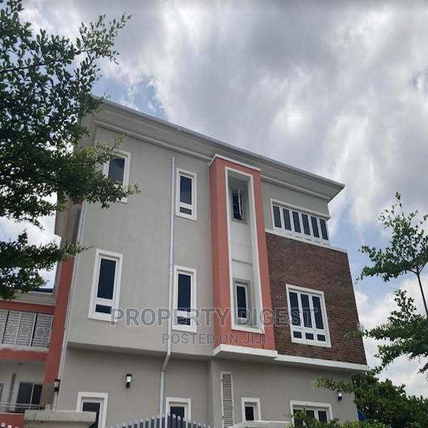 Brand New 3 Bedroom Apartment in Jahi With Boys Quarter