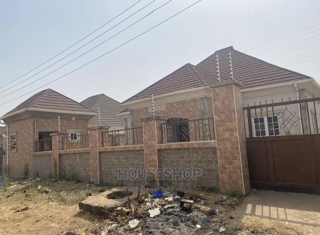 3 Bedroom Bungalow With 2 Detached Bq | Houses & Apartments For Sale for sale in Lokogoma, Abuja (FCT) State, Nigeria